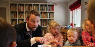Måndag denne veka la kunnskapsminister Torbjørn Røe Isaksen (H) fram den nye rammeplanen for barnehagane som blir gjeldande frå hausten. FOTO: KD