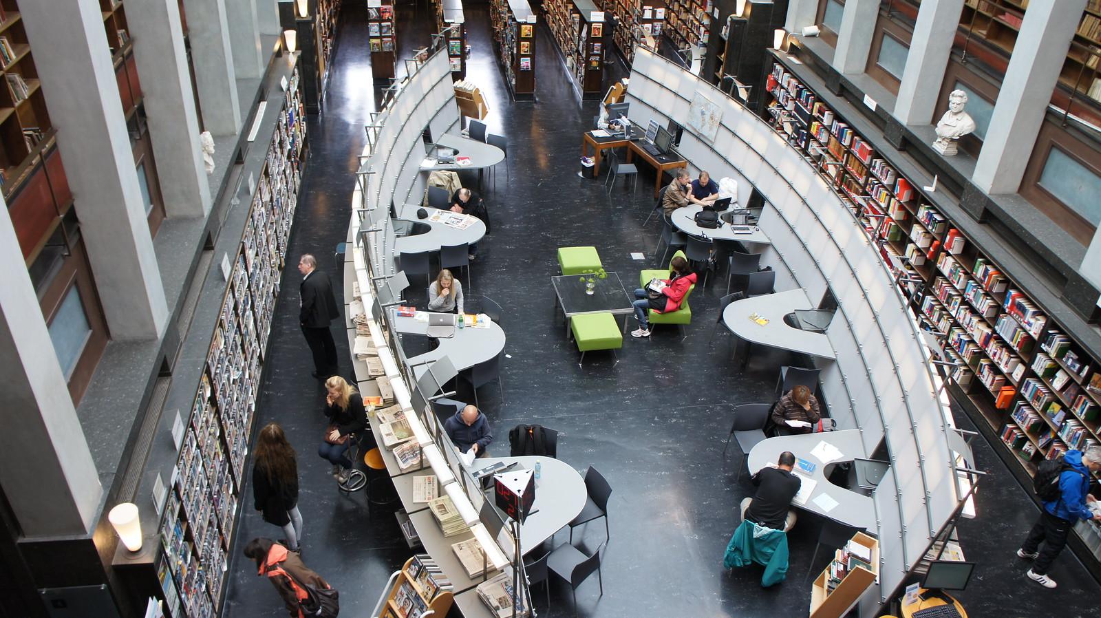 Deichmanske bibliotek i Oslo er eitt av bibliotek som fortel at lånarane er meir positive til nynorsk. Foto: Pedro Layant, CC BY-SA 2.0-lisens